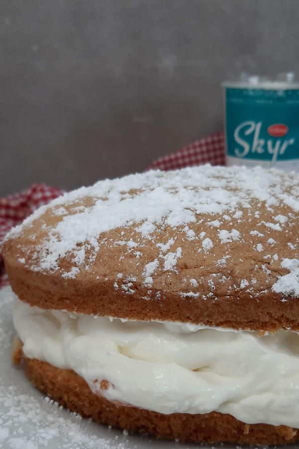 Die beste Käse-Sahne-Torte der Welt mit fluffigem Biskuitboden